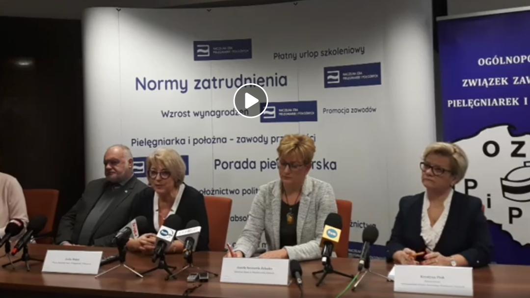 Konferencja prasowa Naczelnej Izby Pielęgniarek i Położnych dotycząca norm zatrudnienia pielęgniarek i położnych.
