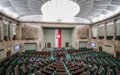 Fragment stenogramu z 83 posiedzenia Sejmu Rzeczypospolitej Polskiej w dniu 4 lipca 2019 r. dotyczący ustawy o zmianie ustawy o zawodach pielęgniarki i położnej