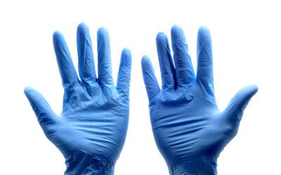 Dociera pomoc dla pielęgniarek i położnych – środki do dezynfekcji  i ochrony osobistej