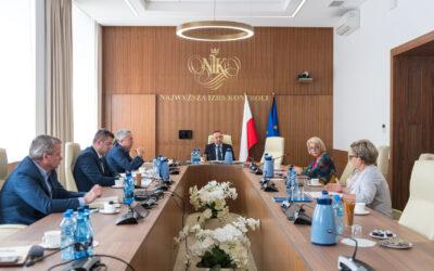 7 lipca 2021 r. przedstawicielki NRPiP iOZZPiP spotkały się się zprezesem Najwyższej Izby Kontroli Marianem Banasiem